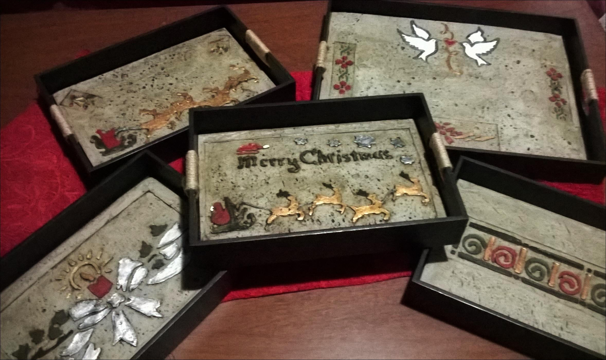 Bandeja de madera c pasta piedra navide as creaciones s for Bandejas de navidad